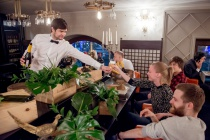 Вино как шоу: 8 ресторанов, где изучение вина маскируют под развлечение