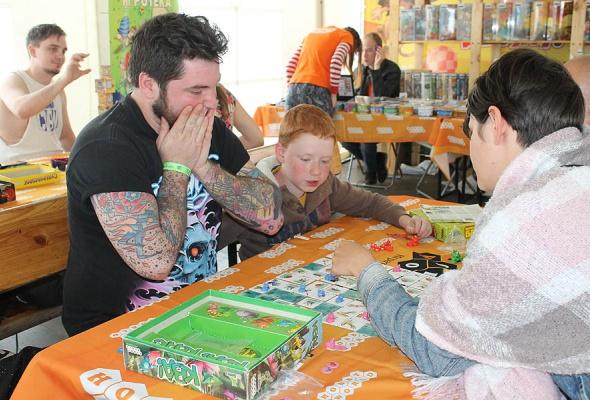 Мятные выходные: посетители «Дикой Мяты» сыграли в настольные игры с Hobby Games  - Фото №0