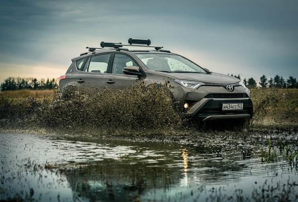 Стартовали продажи Toyota RAV4 в специальной серии Adventure - Фото №1