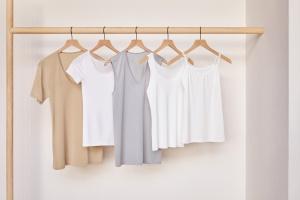 Шопинг: обмен старых футболок на новые в Uniqlo и модное пространство для фотографов в ГУМе