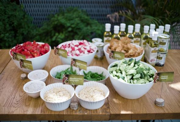 Мастер-класс от шеф-повара и советы нутрициолога: на презентации салатных заправок IDEAL журналисты стали экспертами по созданию идеальных салатов - Фото №9