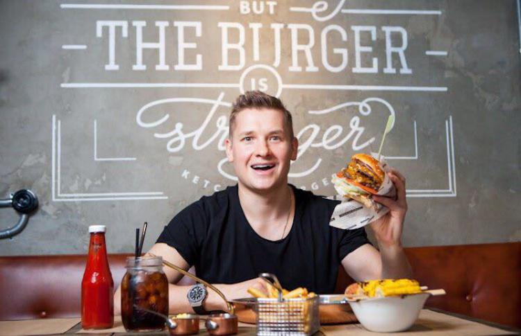 «Мой первый раз»: ресторатор Александр Белькович о переезде в северную столицу
