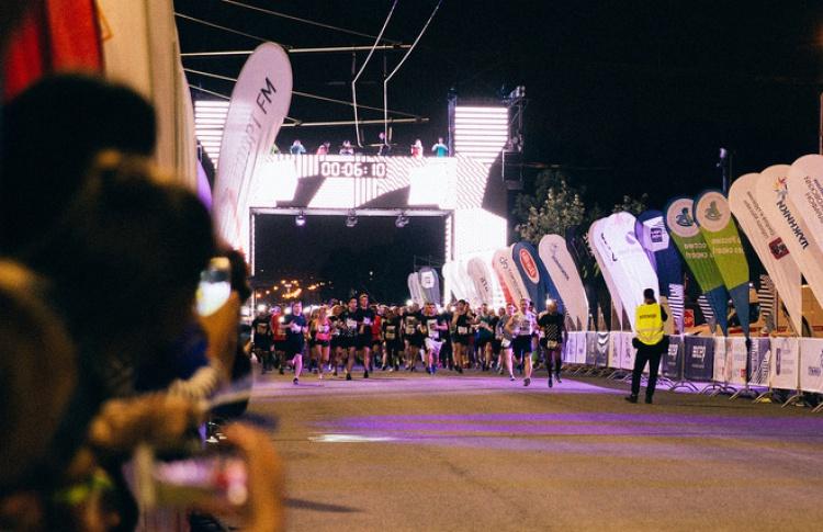 В ритме бега, в ногу с марафонцами: функциональная вода Aqua Minerale Active