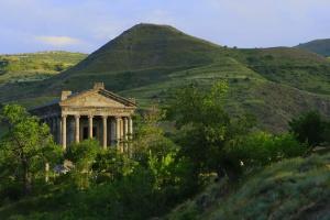 Побег в настоящее лето: Армения