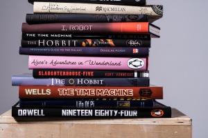 Сервис Goodreads составил список самых читаемых книг в жанре фантастики и фэнтези