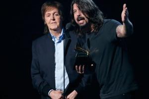 Пол Маккартни записал песню с Foo Fighters