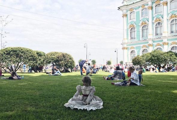 Ваш страх и ужас: кукла Аннабель в Instagram - Фото №5