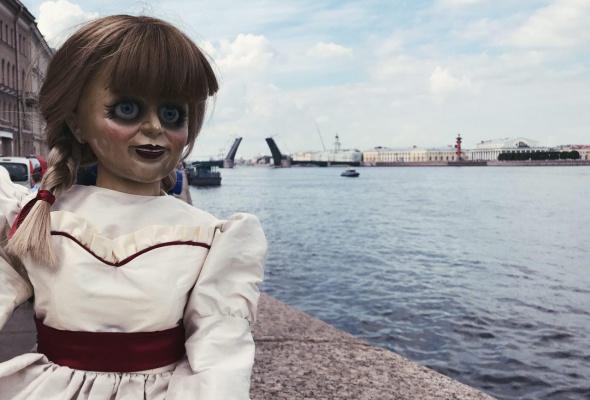 Ваш страх и ужас: кукла Аннабель в Instagram - Фото №4