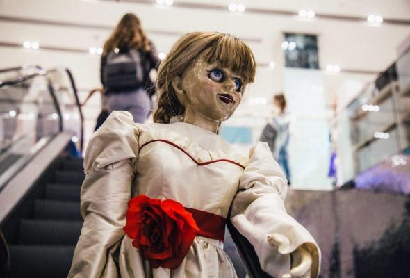 Ваш страх и ужас: кукла Аннабель в Instagram - Фото №0