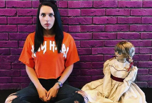 Ваш страх и ужас: кукла Аннабель в Instagram - Фото №1