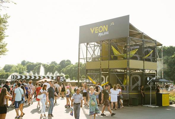 VEON на выставке FACES&LACES: как это было - Фото №2