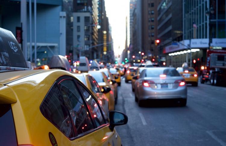 Москва вошла в тройку мегаполисов с самыми низкими ценами на такси