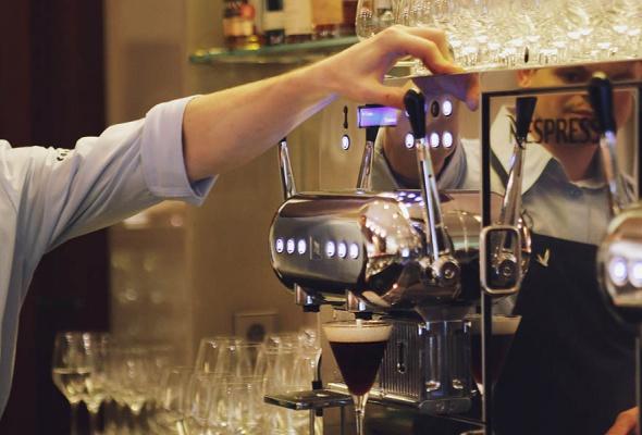 Мауро Колагреко и Игорь Гришечкин представили специальное блюдо в паре с кофе Nespresso на закрытом ужине в ресторане Кококо - Фото №1