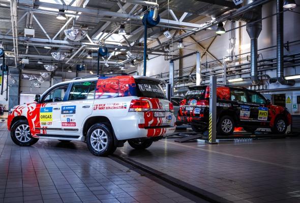 Арифметика надежности на «Шелковом пути»: 23 внедорожника Toyota, 250000 км и 0 поломок - Фото №3