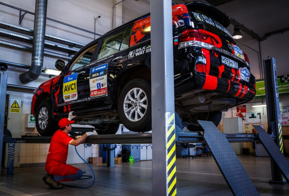 Арифметика надежности на «Шелковом пути»: 23 внедорожника Toyota, 250000 км и 0 поломок - Фото №1