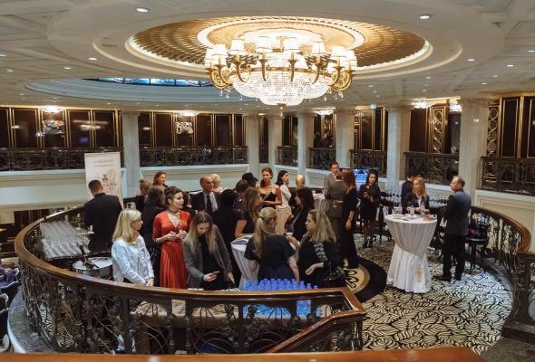 5 сентября в отеле St. Regis Никольская состоялся арт-вечер - Фото №1