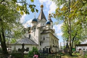 Москвичка получила сотрясение мозга от удара крестом священника