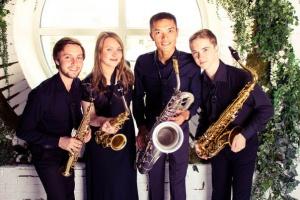 Концерт квартета саксофонистов на крыше