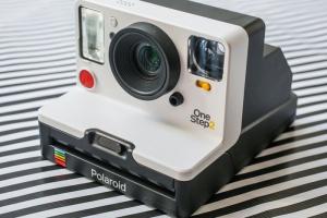 Голландская компания объявила о старте продаж обновленной камеры Polaroid с USB-зарядкой