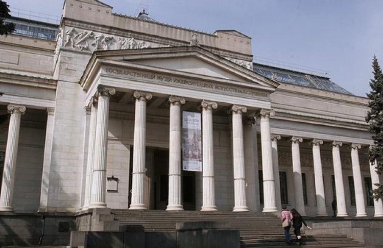 В Москве эвакуировали здания Пушкинского музея и «Мосфильма»