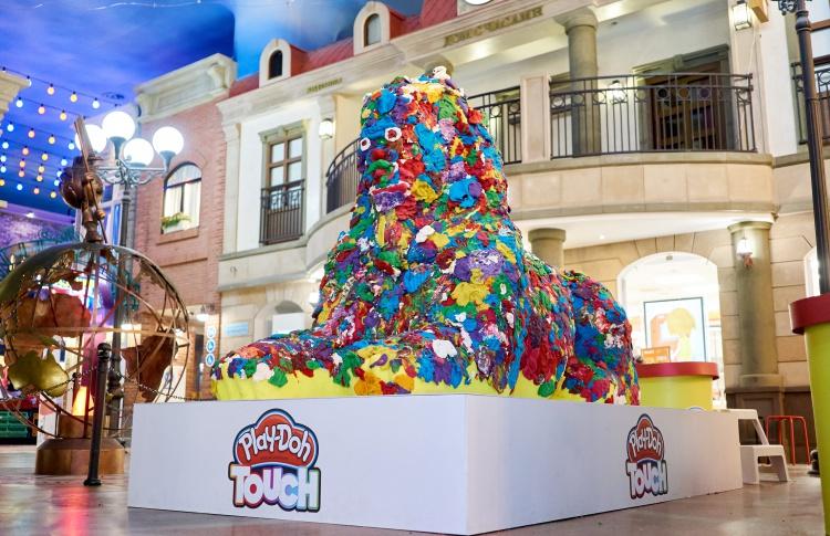Большой Play-Doh Сфинкс в ЦДХ на Крымском валу