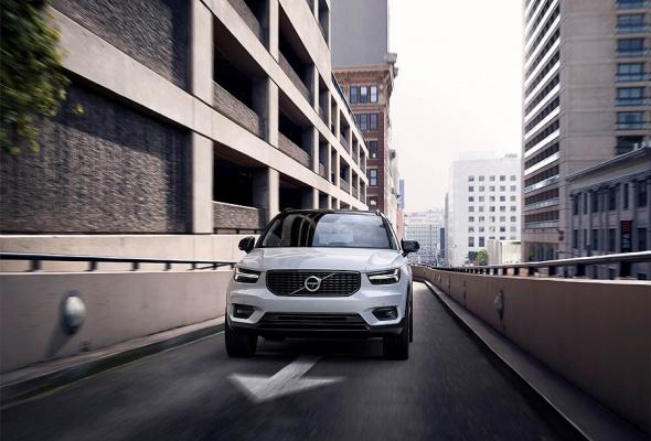 Новый XC40 расширяет линейку Volvo в быстрорастущем сегменте премиальных кроссоверов - Фото №2