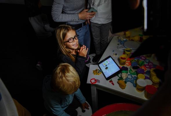 Разноцветный Сфинкс из Play-Doh и другие digital-инсталляции, созданные детьми - Фото №1