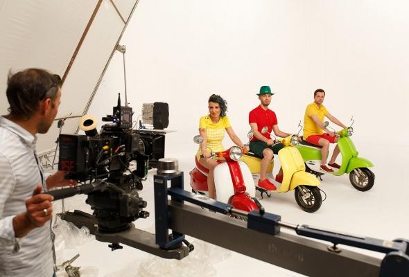 Группа «FRUKTbI» записали сочный хит про десять миллионов - Фото №1