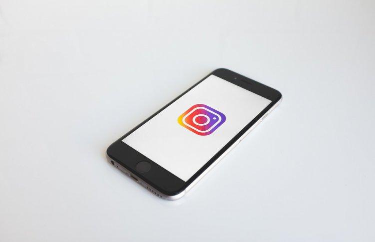 Всоцсеть социальная сеть Facebook добавили возможность делиться Instagram Stories