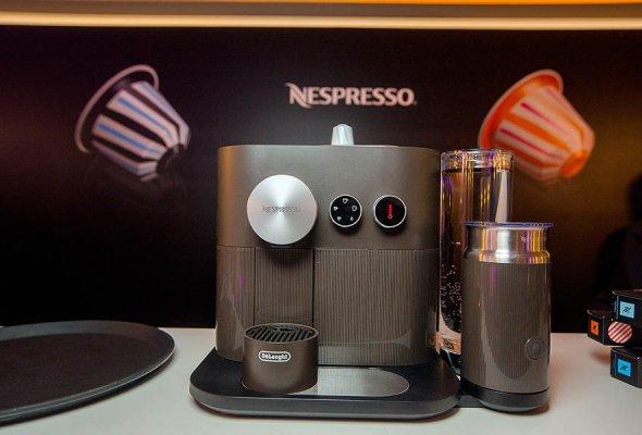 Nespresso представил праздничную коллекцию Variations Confetto в Большом театре - Фото №11