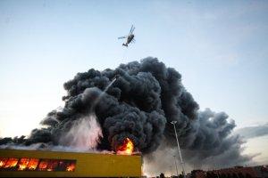 На северо-западе Москвы загорелся строительный рынок «Синдика». Его тушили 15 часов