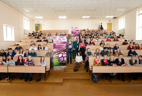 Футбольный День донора LG и компании «Славия-Тех» в юбилейный год при поддержке футболиста Валерия Карпина  - Фото №2