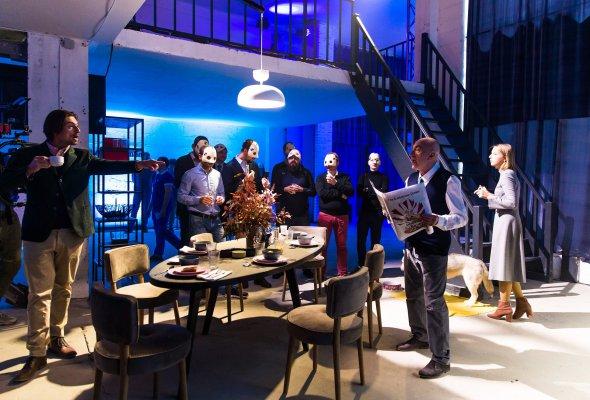 Российская премьера Volvo XC60 состоялась в формате иммерсивного спектакля Moments - Фото №0