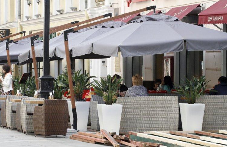 Веранды всех московских кафе разберут в течение месяца