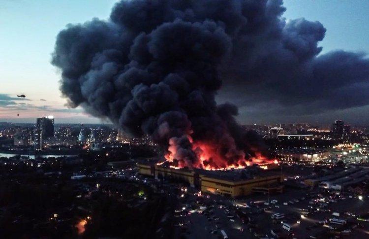 На месте сгоревшей «Синдики» построят новый торговый комплекс