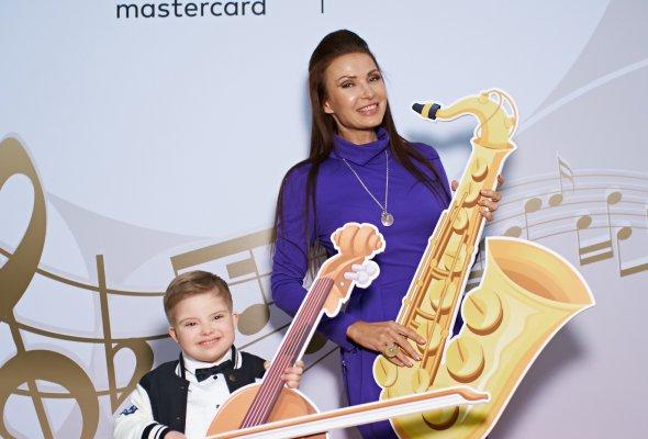 В Большом зале Московской консерватории им. П.И. Чайковского прошел киноконцерт Disney «Фантазия», партнером которого выступила компания Mastercard   - Фото №1