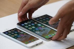 Спрос на новый iPhone 8 оказался «вялым»