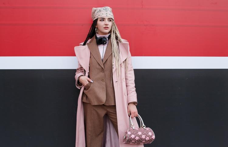 Лиза (блогер, стилист, поступает в Central Saint Martins)