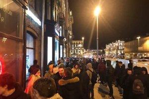 В Москве больше ста человек встали в очередь за iPhone X