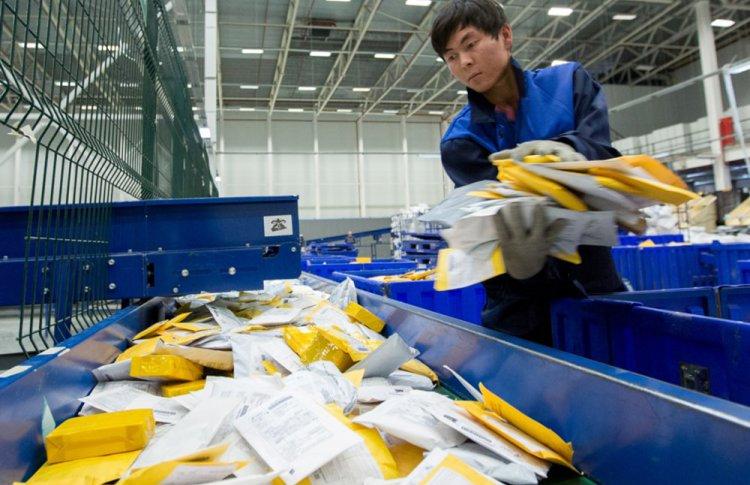 AliExpress планирует в четыре раза ускорить доставку в Россию