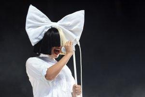 Певица Sia опубликовала свою обнаженную фотографию. Снимок хотели продать папарацци