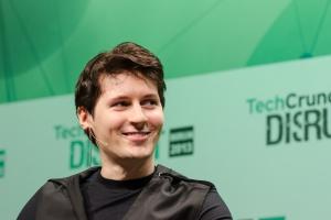 Павел Дуров снова выложил фото с голым торсом
