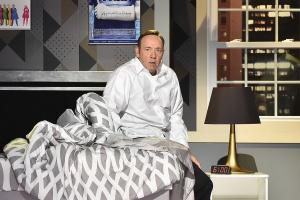 Кевина Спейси обвинили в 20 случаях домогательств за время его работы в театре Олд Вик
