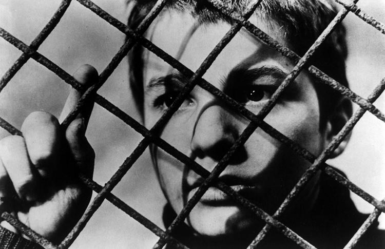 «400 ударов» (1959), реж. Франсуа Трюффо