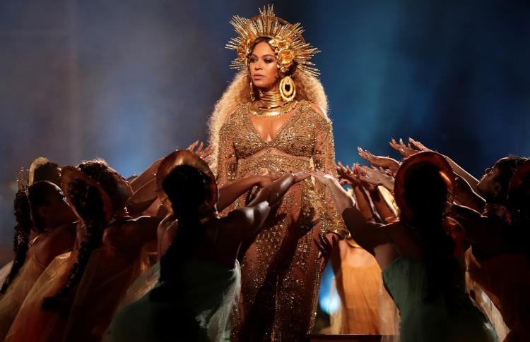 Бейонсе возглавила рейтинг самых высокооплачиваемых певиц по версии Forbes