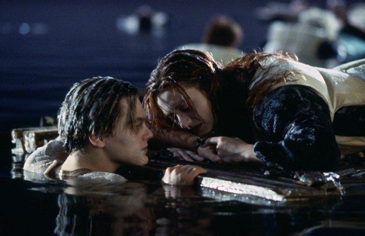 Кэмерон разрешил многолетний спор о концовке «Титаника»