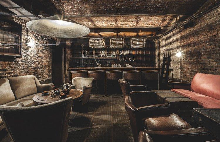 Лучший бармен Греции готовит в баре «Коробок»
