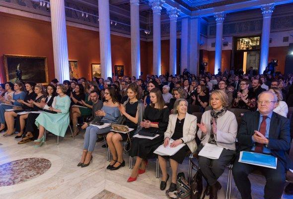В Москве состоялась 11-я церемония вручения национальных стипендий L'ORÉAL-UNESCO «Для женщин в науке» - Фото №2