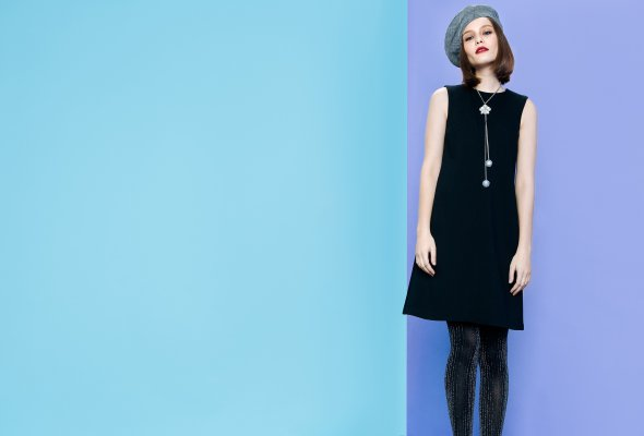 BACK TO BASICS – LAVLAN выпустил капсульную коллекцию маленьких черных платьев - Фото №3