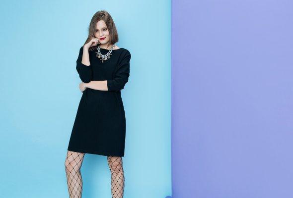 BACK TO BASICS – LAVLAN выпустил капсульную коллекцию маленьких черных платьев - Фото №2